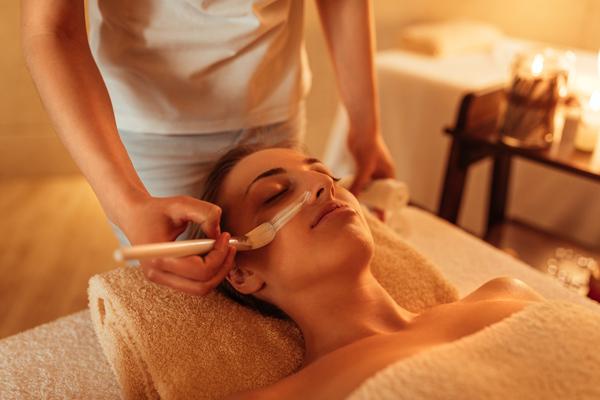 Kosmetikbehandlungen bei storyofskin in Bochum